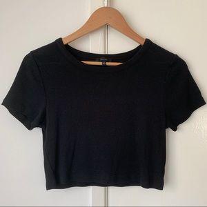 Aritzia black Talula T-shirt Crop Top size Medium